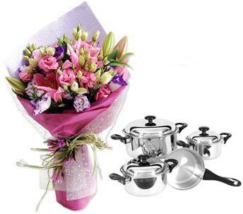 Bouquet of 2 lily stems, carnations, and other flowers, a Happy Cook Pan set (ID: HV-M-4021)