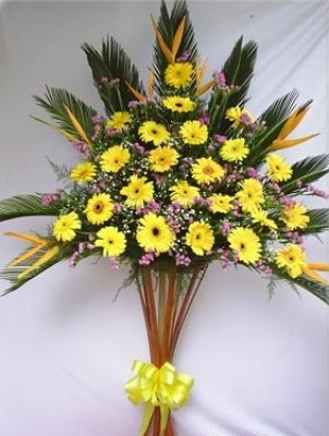 HV-NH-SP-470 - Yellow gerberas, pink statices, greens (height 1.6m) (ID: HV-NH-SP-470)