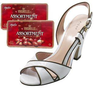 2 chocolate boxes, gift voucher for fashion shoes valued 300.000 vnd (ID: HV-M-4011)